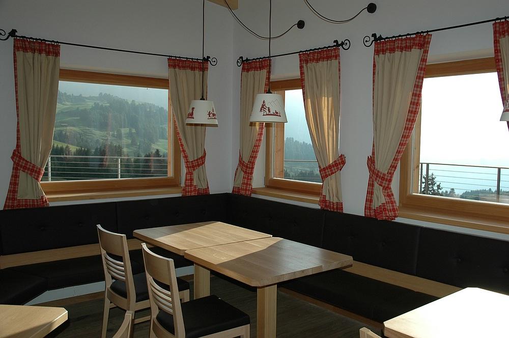 Berghotel zorzi von frener design realisiert for Berghotel design