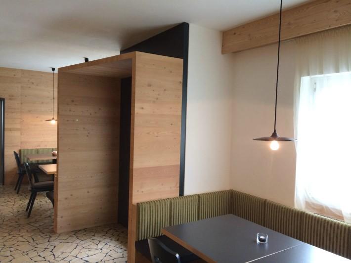 Bar und hotel dolomiten for Design hotel dolomiten